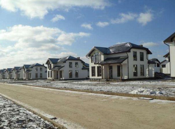 Коттеджный посёлок  «Бортники» по адресу Московская обл, Красногорский р-н в 7.6км от МКАД предложения по цене от 14 600 000 руб.